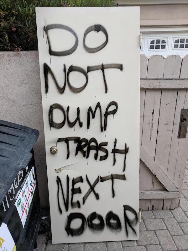 Bad Neighbors (28 pics)