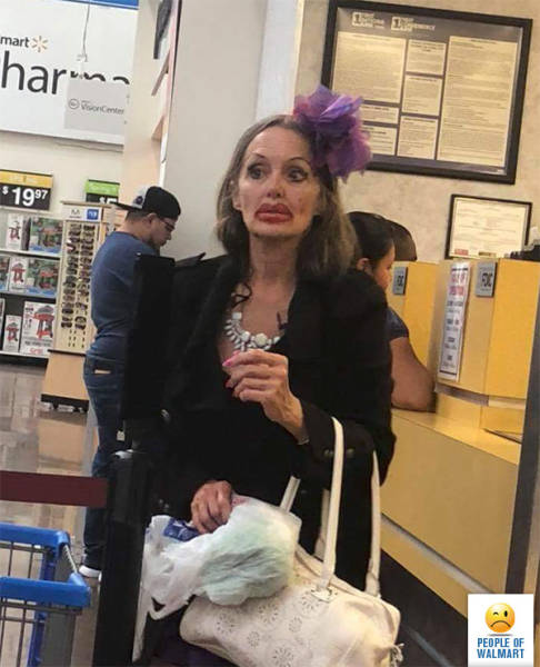 People Of Walmart (28 pics)