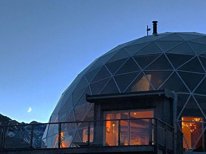 Eco-house With A Glass Dome (23 pics)