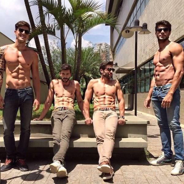 Hot Guys (40 pics)