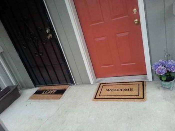 Bad Neighbors (23 pics)