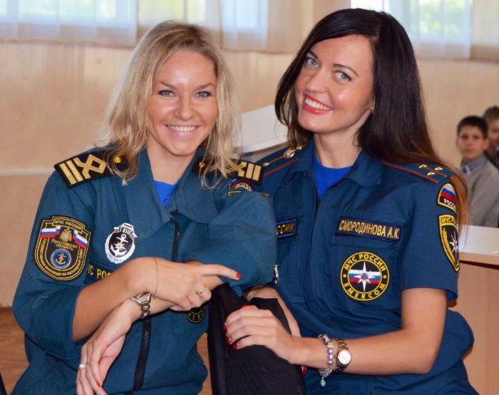 Russian Military Girls (35 pics)