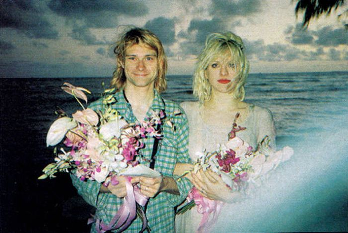 How Celebrities Looked When They Got Married (21 pics)