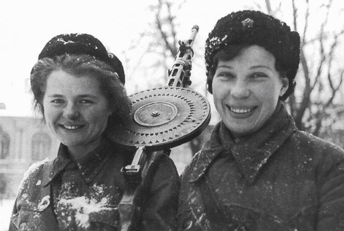 Soviet Girls in WWII (38 pics)