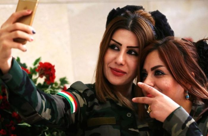 Kurdish Female Fighters (39 pics)
