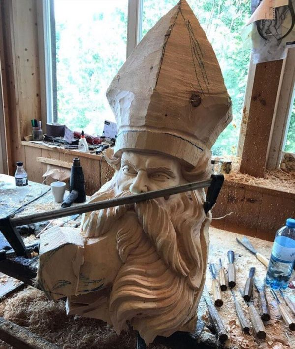 Awesome Wood Statue (9 pics)
