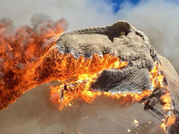 A Life-Size Animatronic T-Rex Burst Into Flames (6 pics)