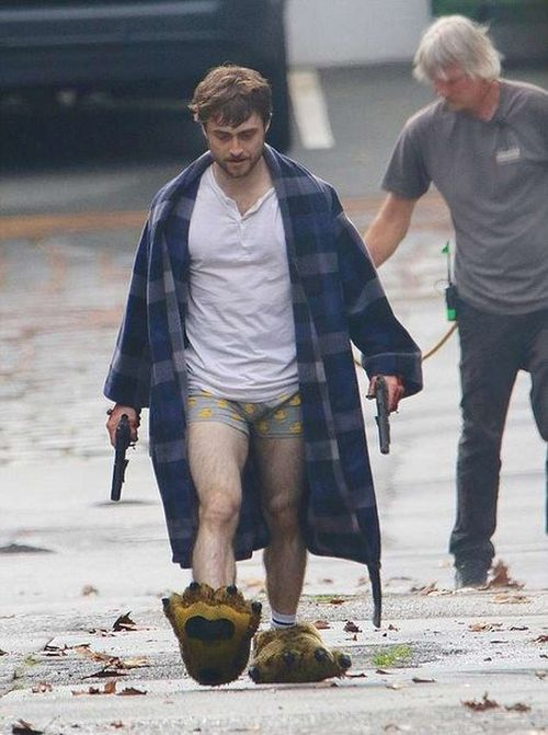 "Daniel Radcliffe On The Set Of ""Guns Akimbo"" Movie (4 pics)"