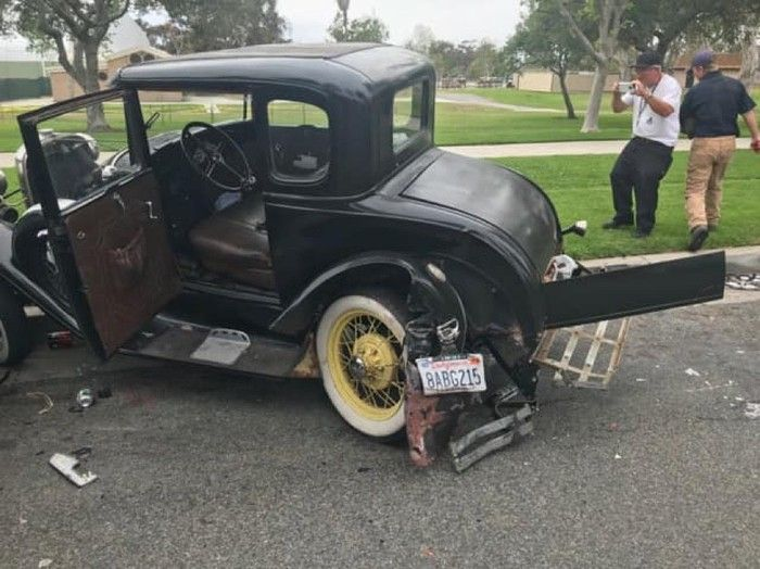 Toyota Destroyed An 87-Year-Old Ford (4 pics)