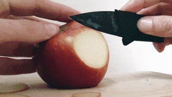 Sharp Knives Cut Stuff (15 gifs)