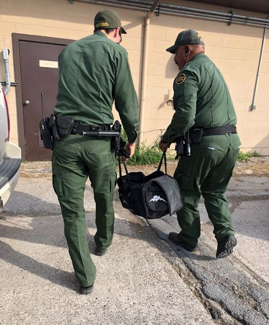 Border Guards Found Something Very Interesting In The Bag Of Illegal Immigrants (5 pics)