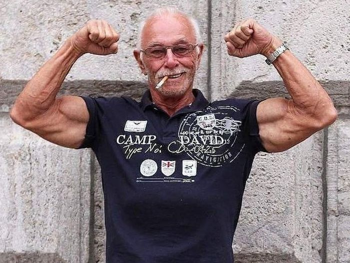 74 Year Old Heinz-Werner Bongard Is A Strong Man (12 pics)