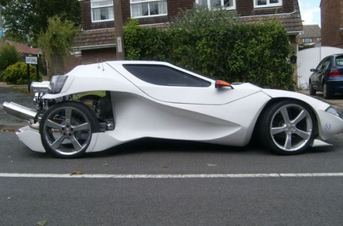 Cool Self-Made Car (8 pics)