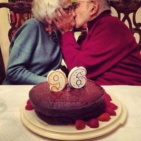 True Love Lives Forever (21 pics)