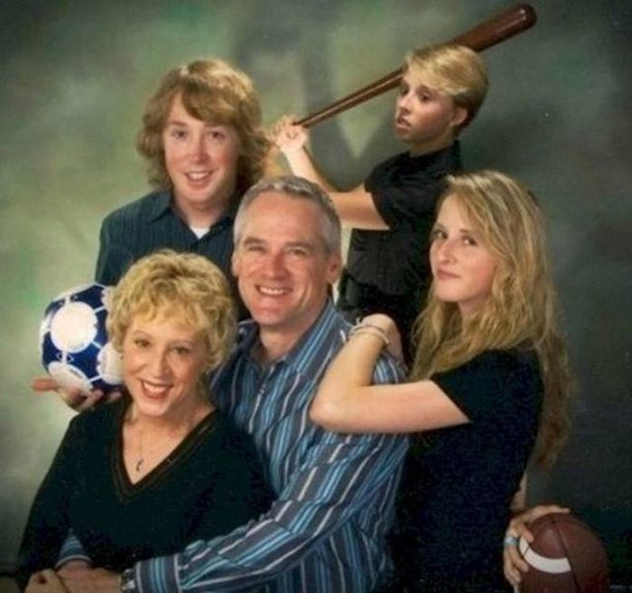 Awkward Family Photos (22 pics)