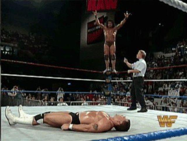 Amazing Wrestling Finishers (14 gifs)