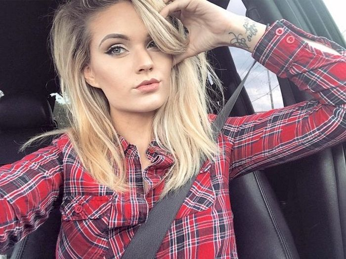 Sexy Girs In Shirts (39 pics)