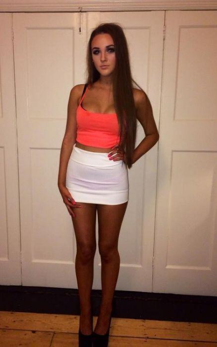 Short Skirts 33 Pics-3176