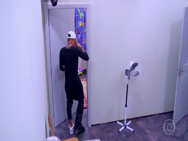 Neymar Cried After Seeing His Childhood Room