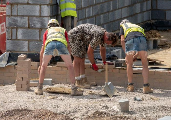 This Is How British Builders React To The Ban On Wearing Shorts (7 pics)