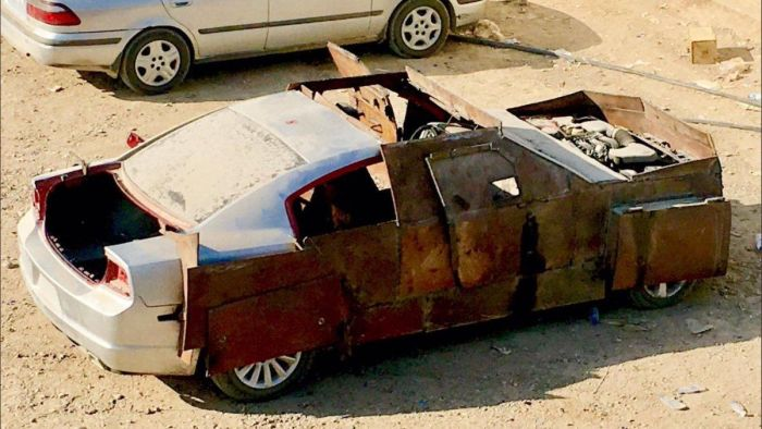 ISIS Terrorists Build An Armoured Dodge Charger (4 pics)