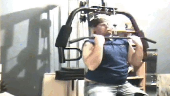 Gym Fails (16 gifs)