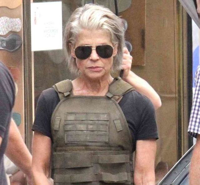 "Linda Hamilton On The Set Of The New ""Terminator"" (4 pics)"