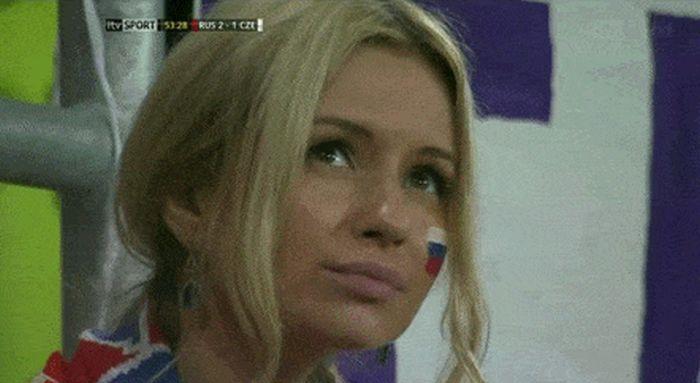 Cute World Cup Fans (18 gifs)