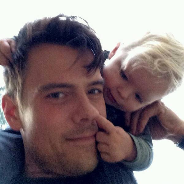Celebrity Dads And Their Kids (37 pics)