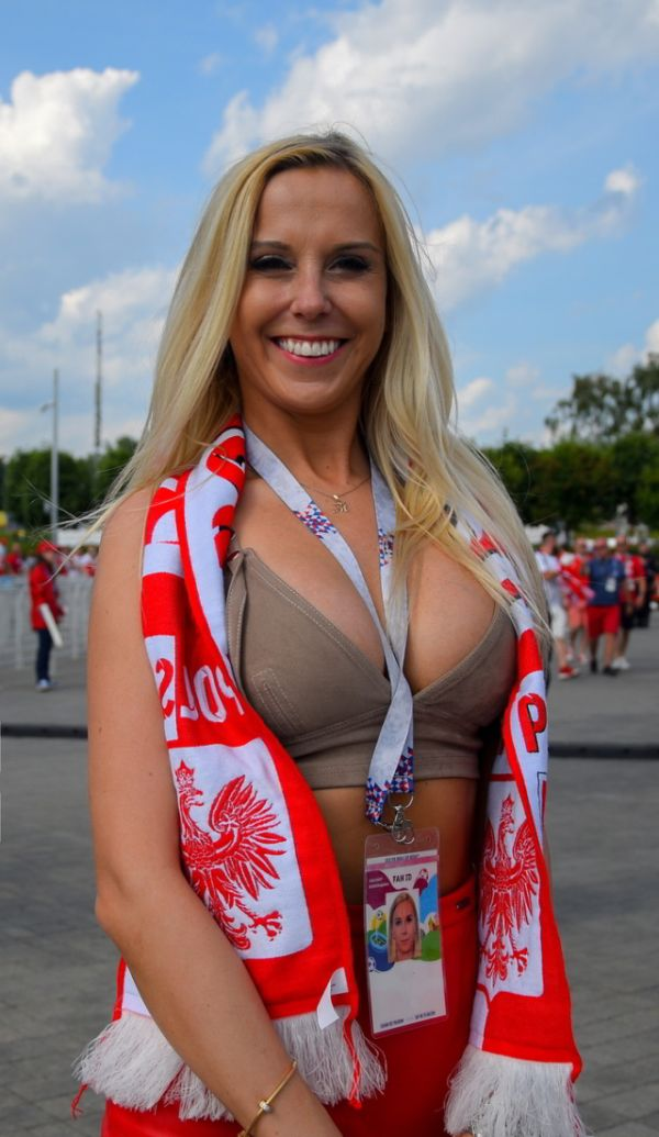 Sexy Fans From Poland 16 Pics-8067