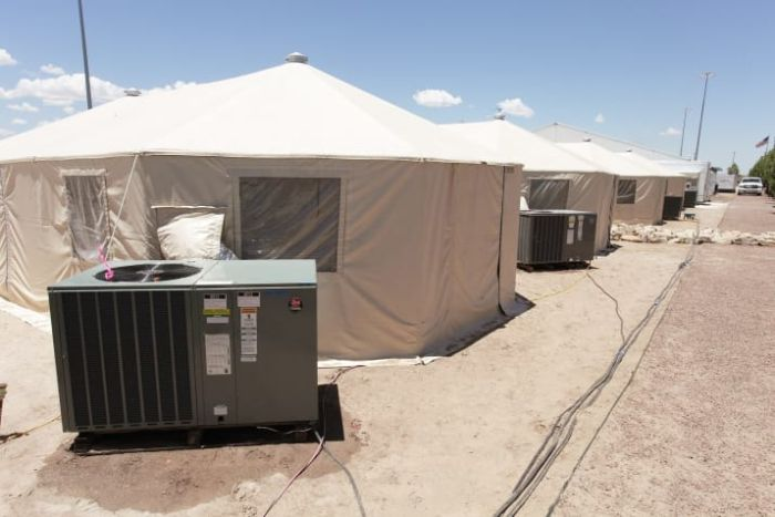Texas Facility That's Housing 326 Immigrant Children In Tents (9 pics)