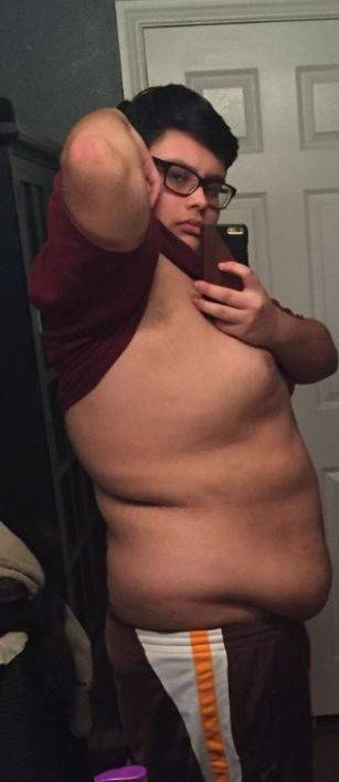 This Guy Has Lost A Lot Of Weight (4 pics)
