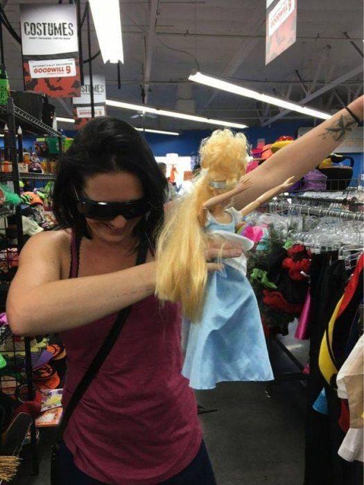 Fun Stuff From Thrift Shops (33 pics)