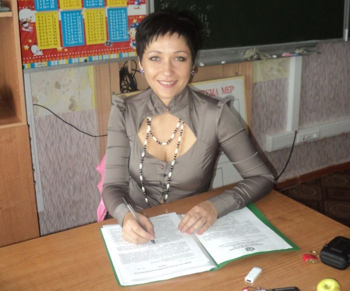 Pretty Russian School Teachers (38 pics)