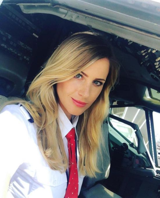 Swedish Pilot Is Now A Popular Instagram Star (23 pics)