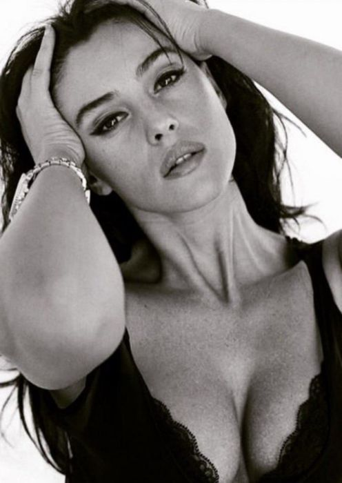 How Monica Bellucci Changed In 41 Years (35 pics)