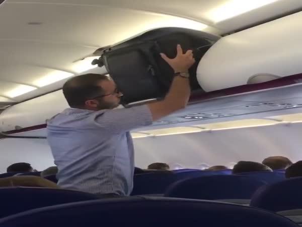 Airplane Baggage Fail