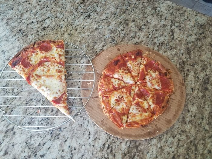 How To Get The Best Slice Of Pizza (2 pics)