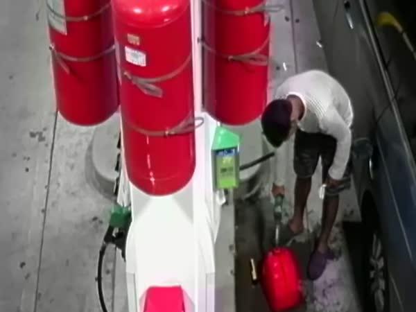 Arsonist Starts Fire At Staten Island Gas Station