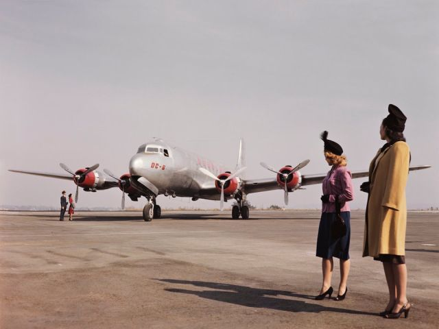 Flying Back In The 1950s (13 pics)