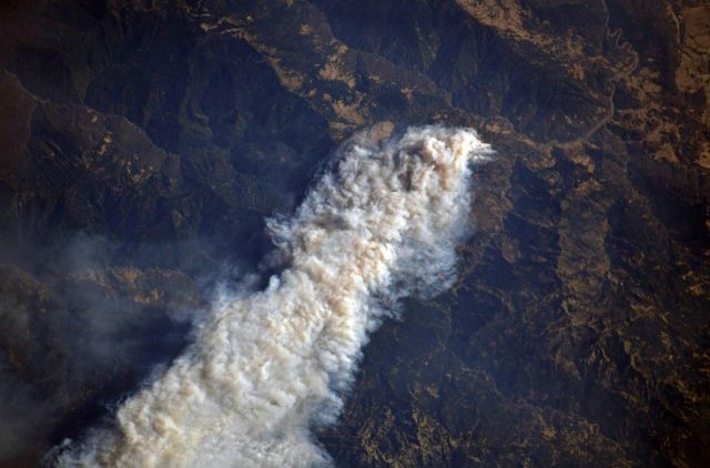 California Wildfires From Space (4 pics)