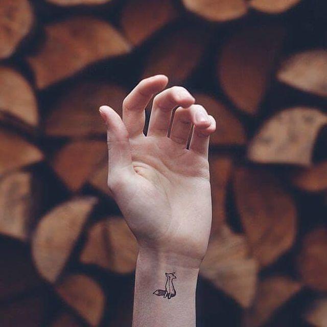 Cool Minimalistic Tattoos (30 pics)