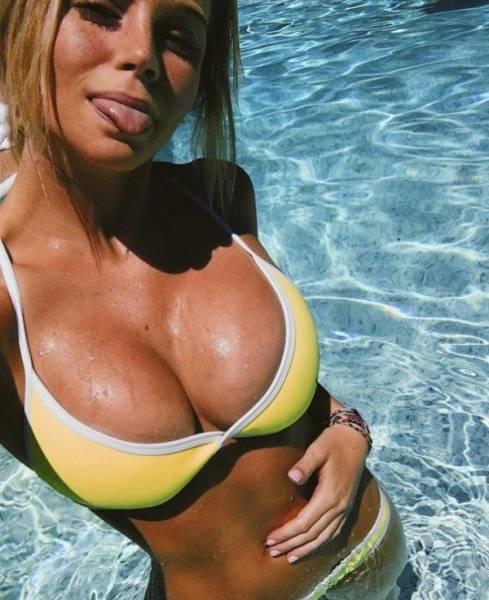Sexy Selfies (25 pics)