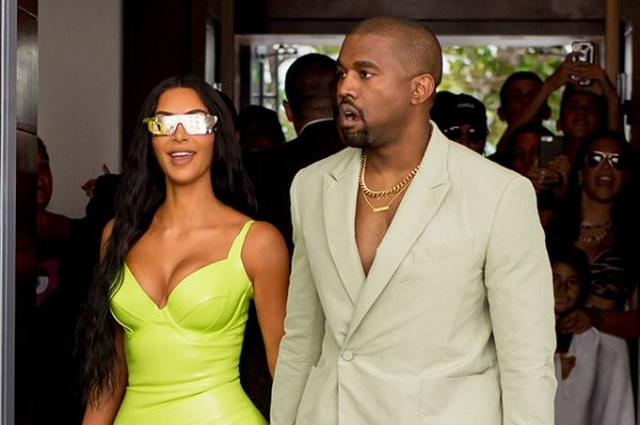 Kanye West Has A Funny Outfit (5 pics)