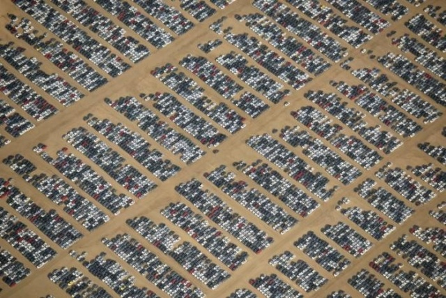 Car And Aircraft Cemetery In The California Desert (7 pics)