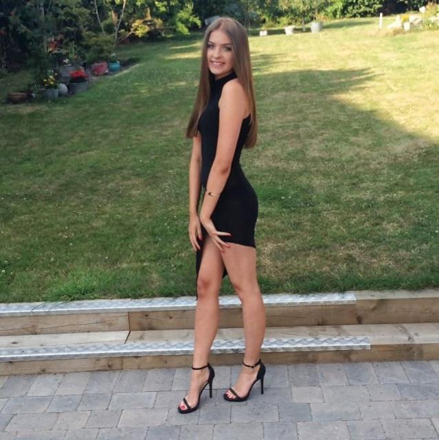 Girls On High Heels (37 pics)
