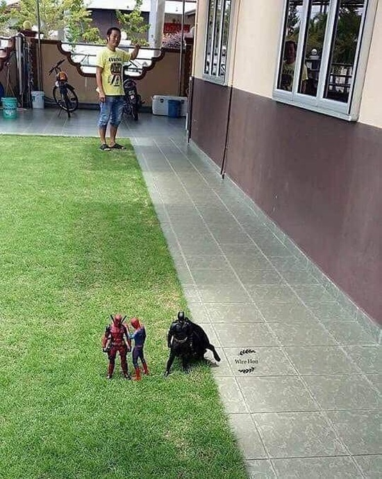 How To Meet Superheroes (4 pics)