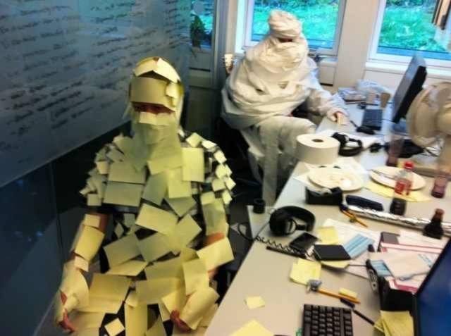 People Have Fun At Work (44 pics)