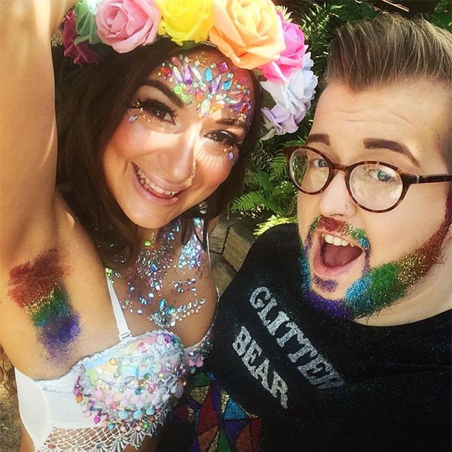 Glitter Armpits: Awkward Instagram Beauty Trend (20 pics)