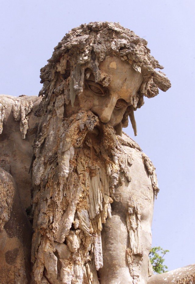 The Appennine Colossus in Tuscany, Italy (20 pics)